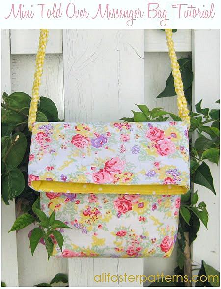 mini fold over messenger bag tutorial by Ali Foster