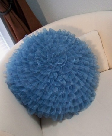 Ribbon Poof Pillow Tutorial