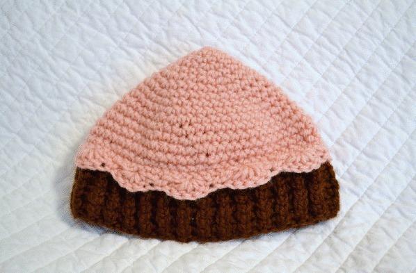 crocheted-252520cupcake-252520beanie_thumb-25255B3-25255D