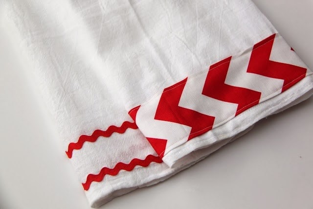 Ric Rac Tea Towel Tutorial