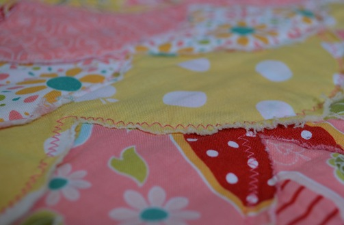 Raggedy Scallop Baby Quilt by U Create