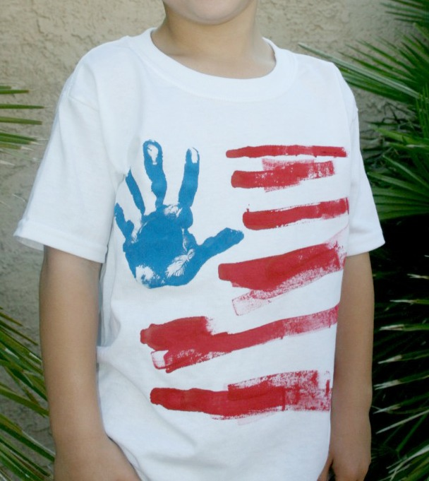 Hand Print 4th of July Tee Tutorial