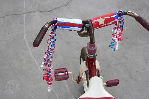 Parade Bike Handle Streamer Tutorial