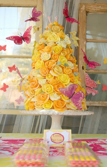 How to make a rose cake tower by Tikkiido