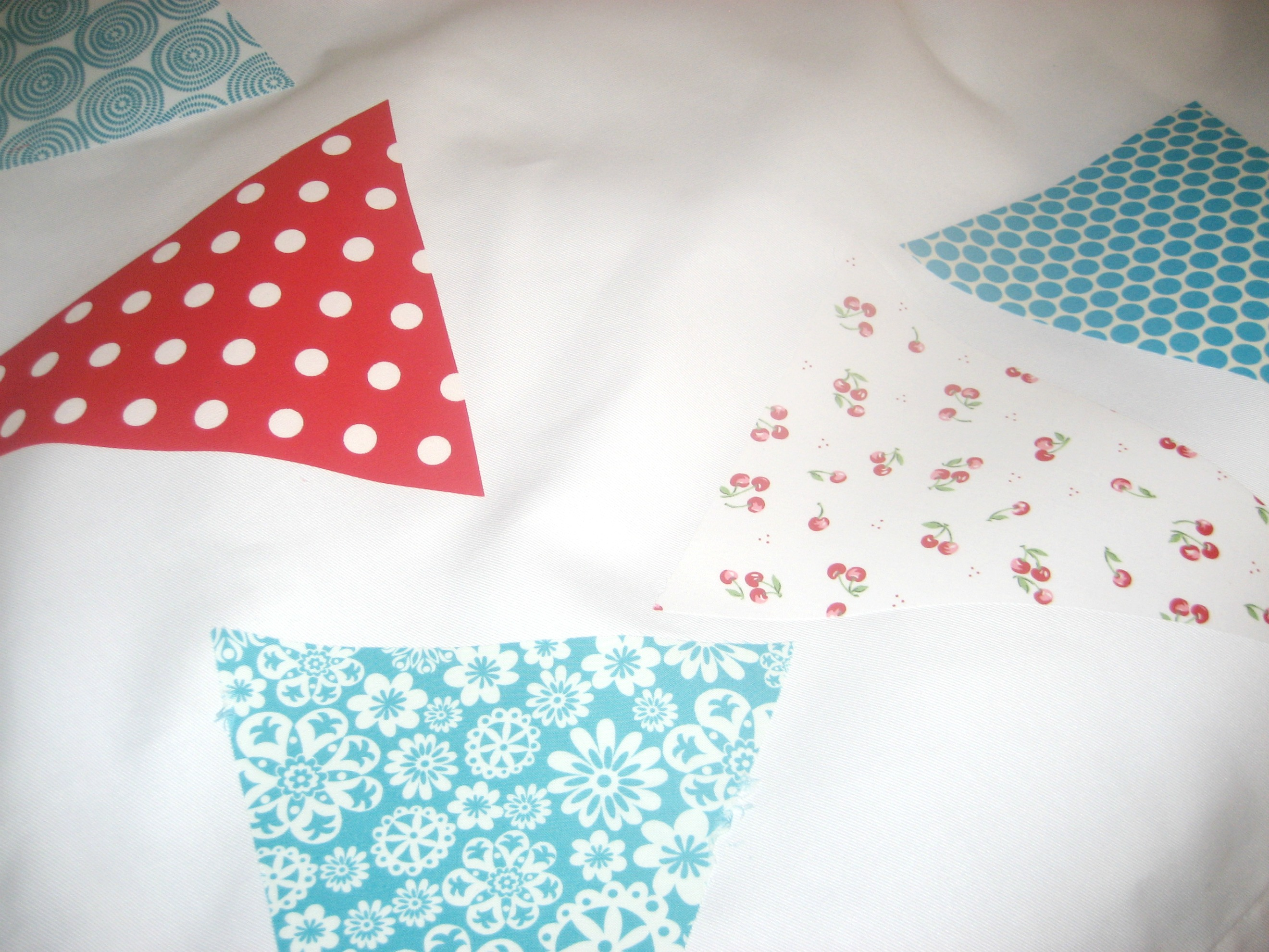 tablecloth bunting 1