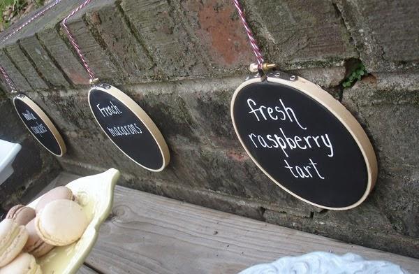 DIY Chalkboard Hoop Signs