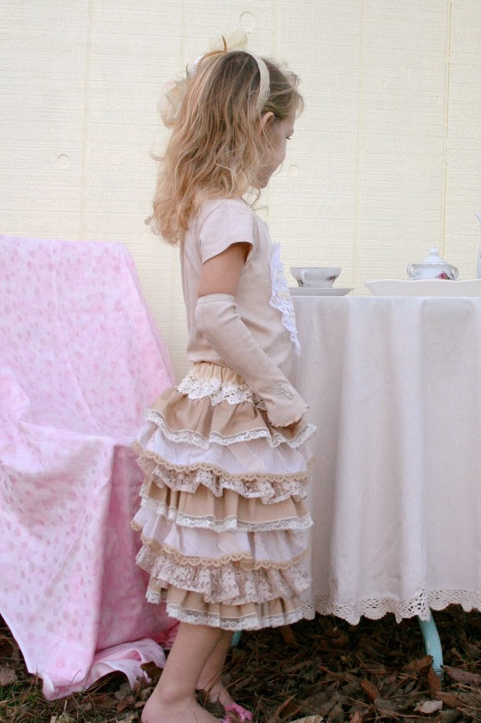 Free Pattern Lace Ruffle Skirt