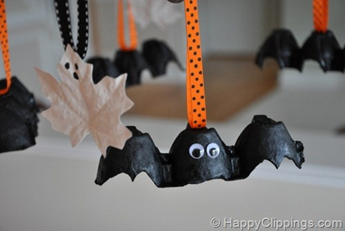 Egg Carton Halloween Bat Tutorial