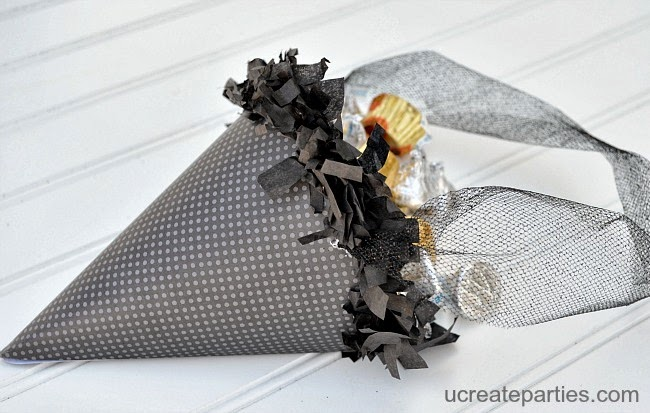 Witch Cone Hat Party Favors - great for Halloween parties or witches night - free template