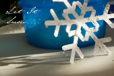 Puffy Snowflake Kids Craft Tutorial by Choose to Thrive