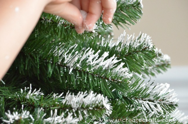 How to Add Snow to an Artificial Tree by U Create