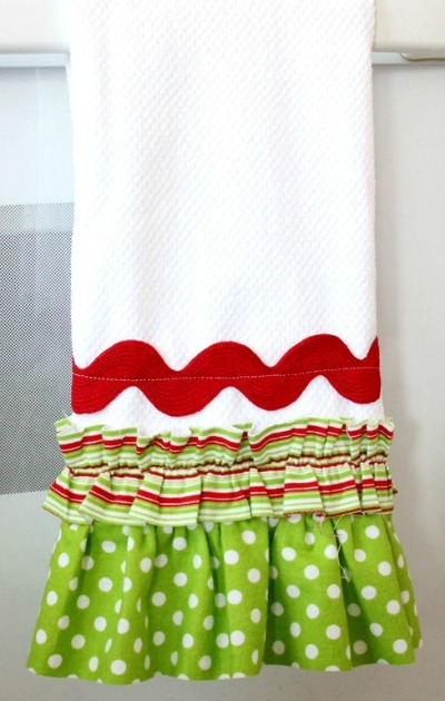 holiday tea towels by just sew sassy