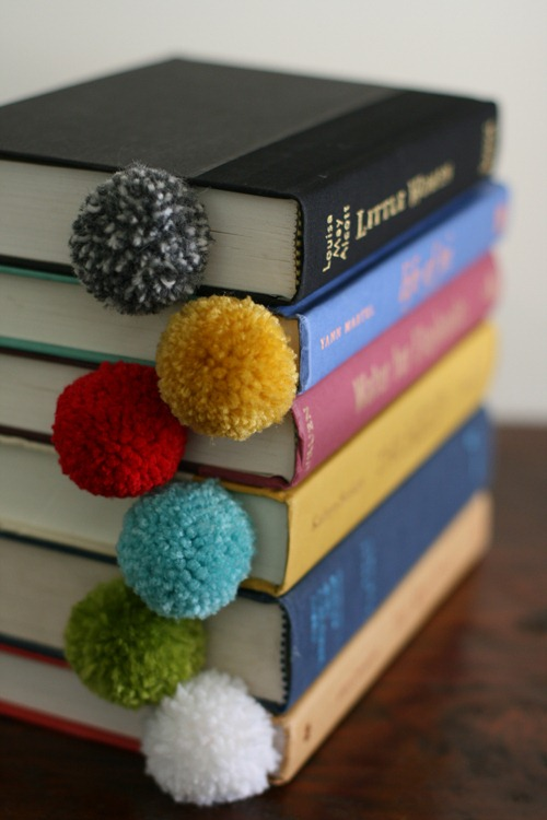 yarn ball bookmarks at design mom