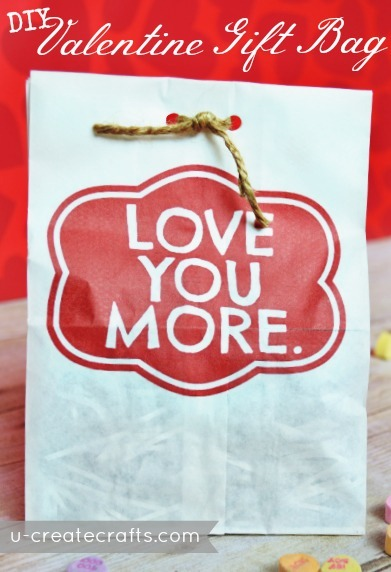 Valentine Gift Bag Tutorial @ u-createcrafts.com