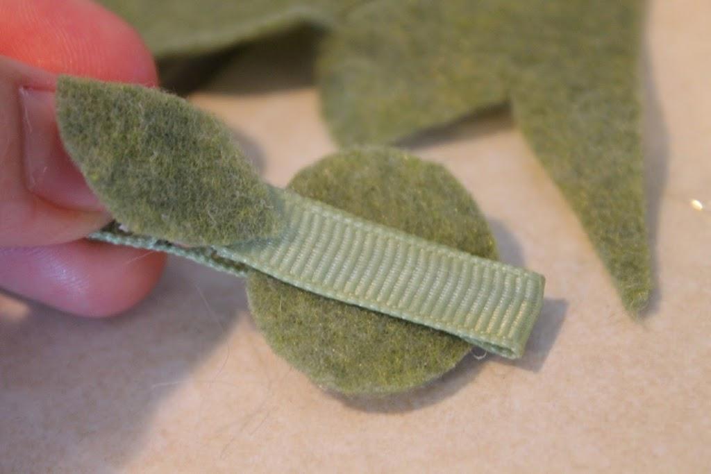 DIY Ric Rac Flower Hair Clips