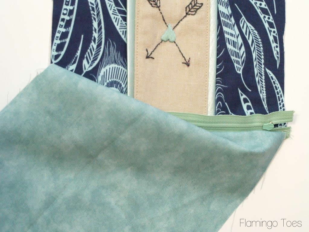 sewing zipper into pouch
