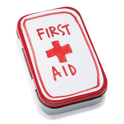 Mini First Aid Kit using Altoid Tin at Spoonful