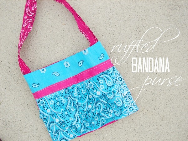 ruffled-bandana-purse-tutorial_thumb-25255B2-25255D