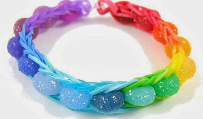 How to make a beaded loom bracelet by Halcraft