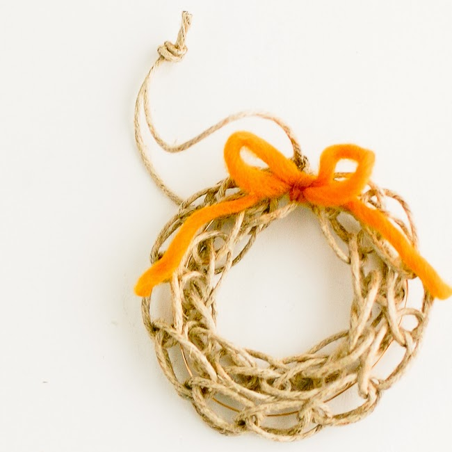 Finger Knit Wreath Tutorial by Flax & Twine