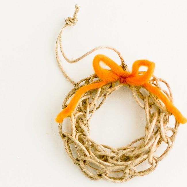 Finger Knit Wreath Tutorial by Flax & Twine - U Create