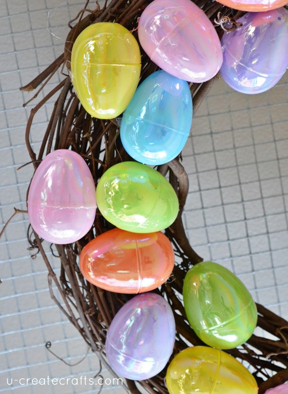 How to Make a Simple Plastic Easter Egg Wreath by UCreate