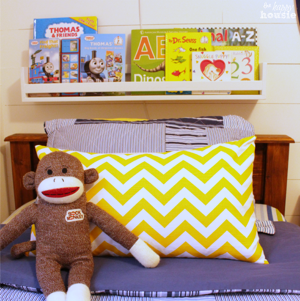 DIY Envelope Lumbar Pillow how to by The Happy Housie