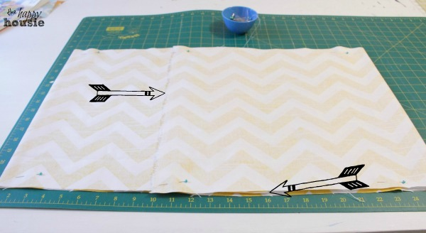 DIY-Envelope-Lumbar-Pillow-seam-and-pin-at-the-happy-housie