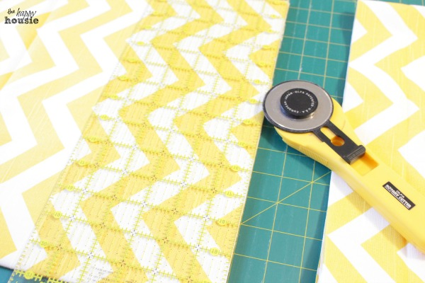 DIY-Envelope-Lumbar-Pillows-cut-fabric-to-size-at-the-happy-housie