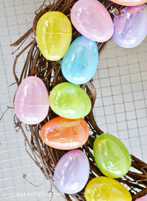 Plastic Easter Egg Wreath by U Create - Tons of Easter Egg Crafts!