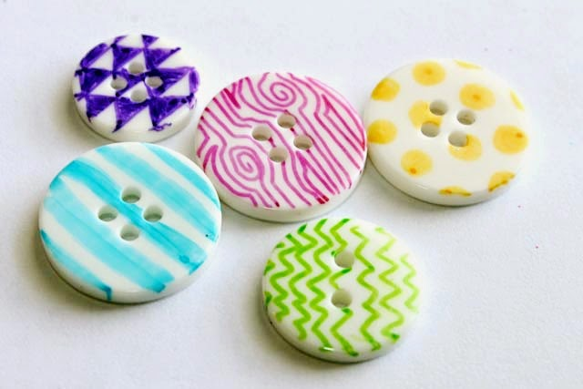 DIY Sharpie Buttons by Punk Projects - tons of cool Sharpie craft tutorials!