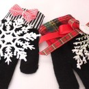 Knit Glove Ornaments by Design Dazzle