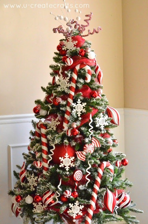 Peppermint and Snow Christmas Tree by U Create