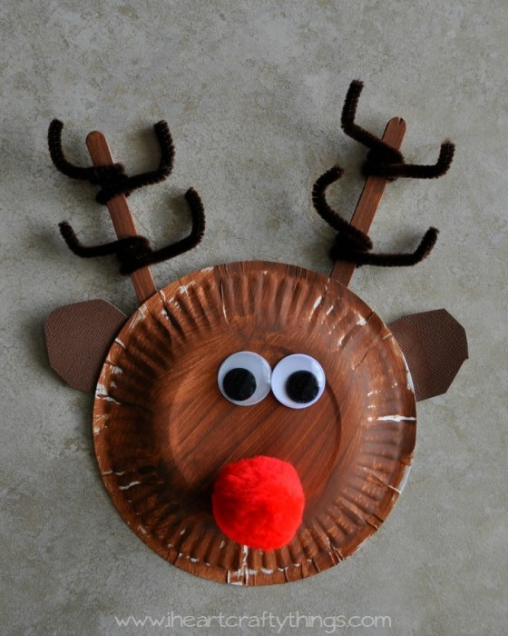 Paper Plate Rudolph Tutorial by I Heart Crafty Things