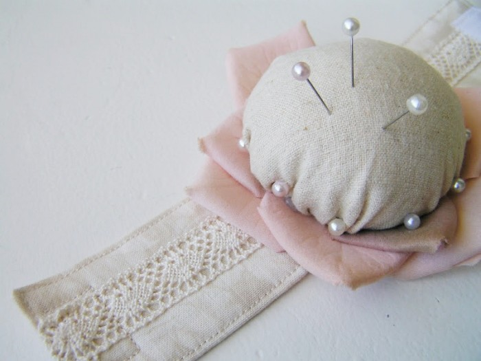 Pincushion Bracelet Tutorial by Tea Rose Home