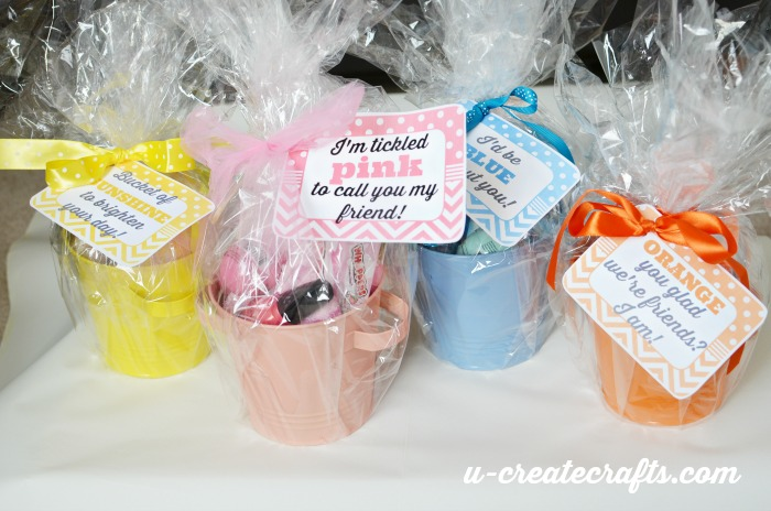 http://www.u-createcrafts.com/wp-content/uploads/2015/01/buckets-of-color.jpg