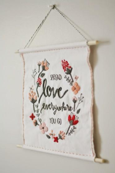 DIY Valentine Wall Hanging by Pretty Life Girls