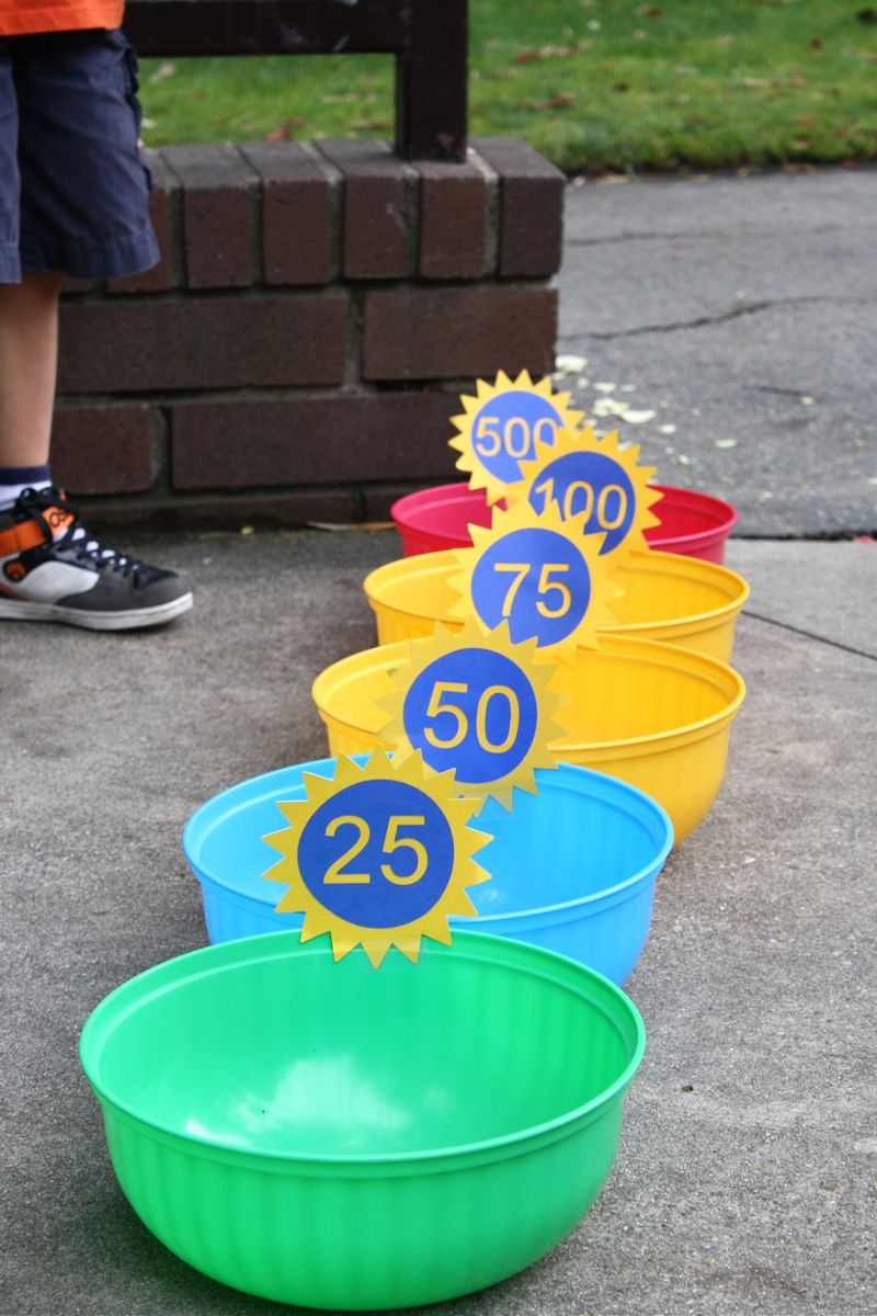 Bean Bag Toss Game - many other circus party ideas!