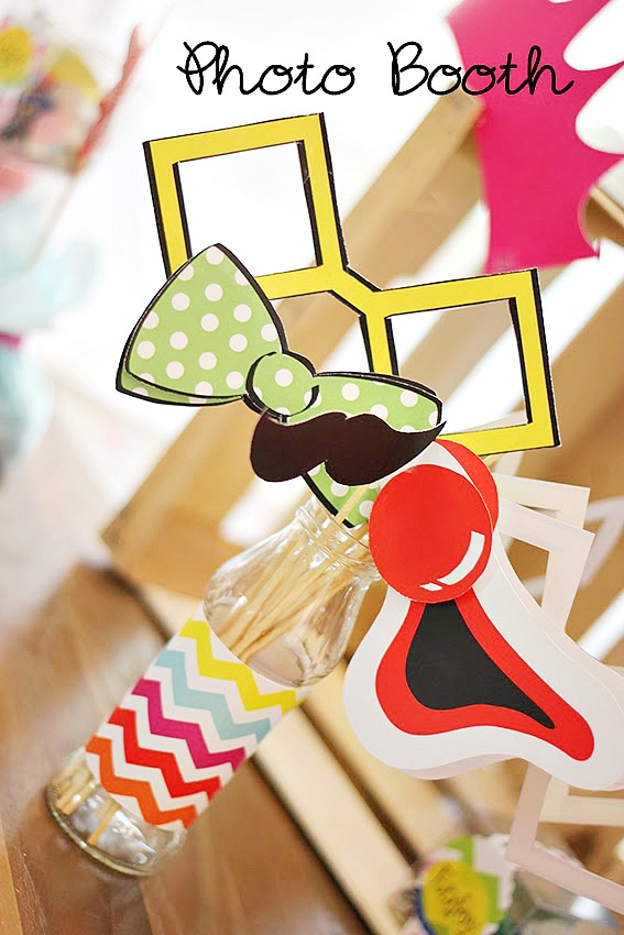 Free Printable Clown Photo Props - and many other circus party ideas!