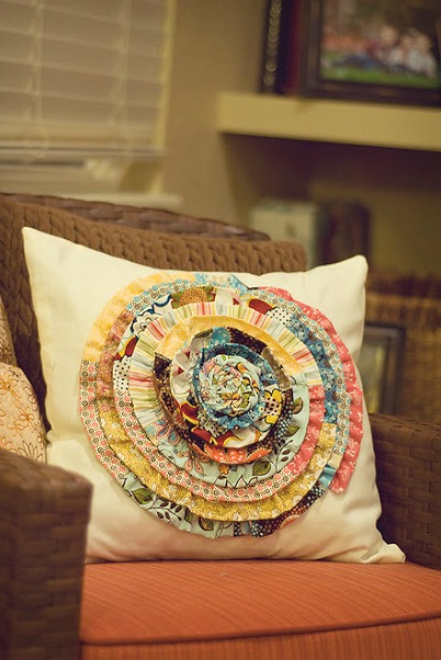 Scrappy pillow flower