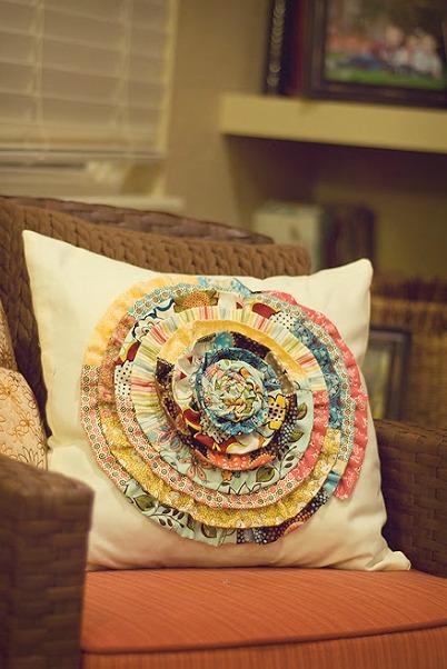 Scrappy pillow flower