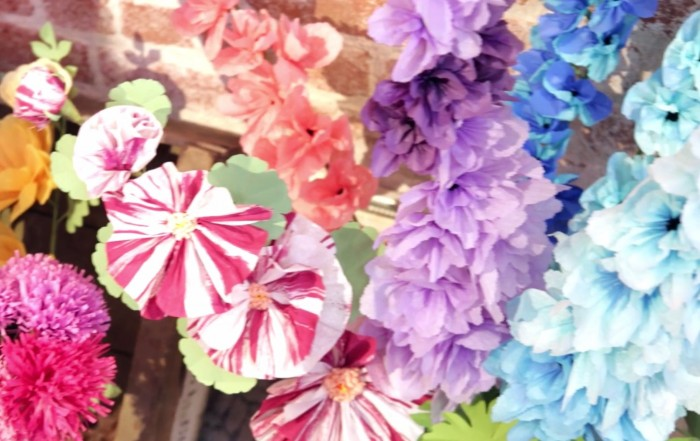How to Make Paper Flowers by Creativebug