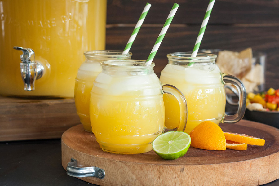 Zesty Punch Sipper Recipe - ginger ale, pineapple juice, and lemonade!