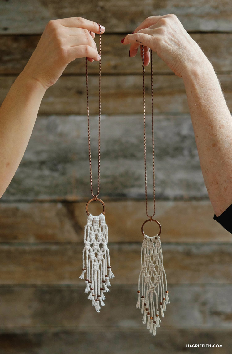 Macrame Necklace Tutorial and other amazing macrame projects!