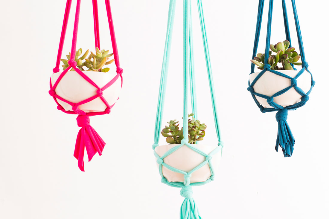 Macrame Plant Hanger Tutorial and other amazing macrame projects