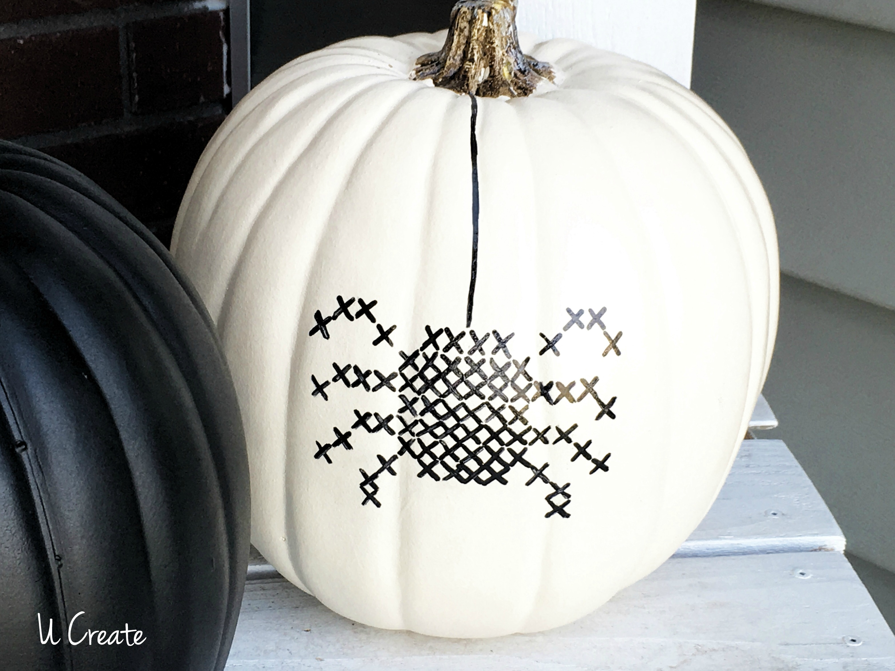 DIY Paint Stitched Pumpkins with free printable templates by U Create