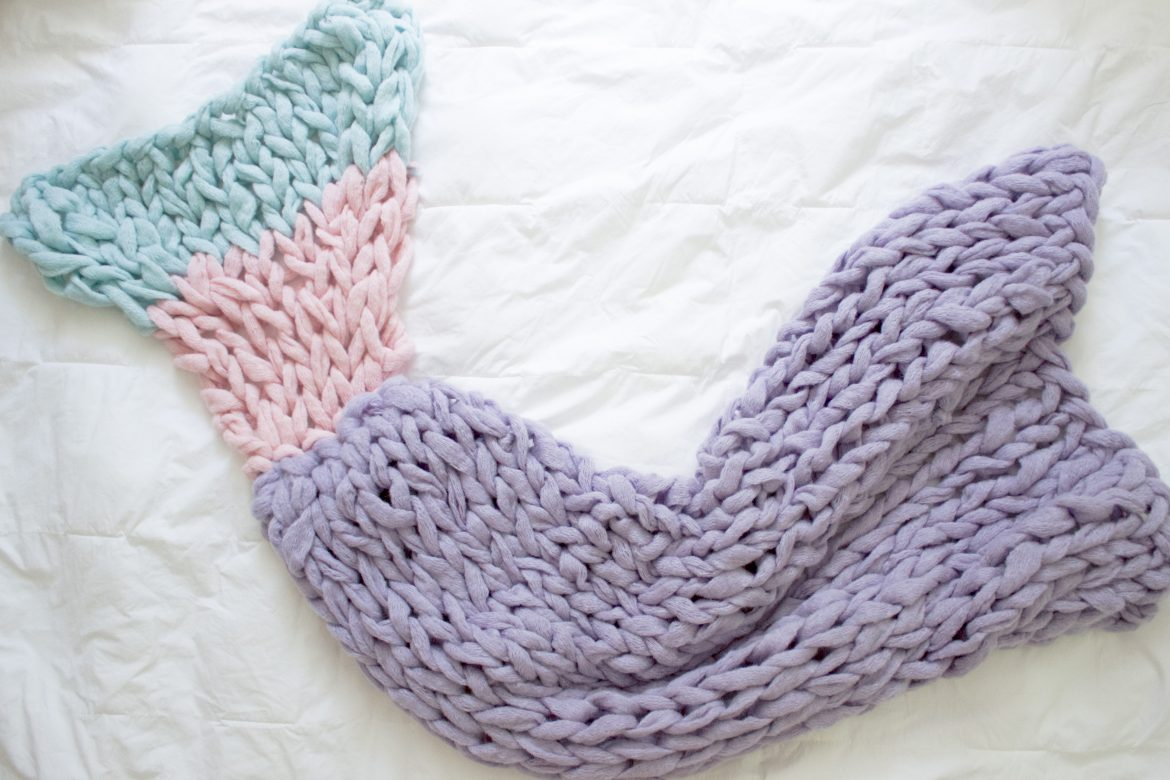 How to Arm Knit a Mermaid Blanket