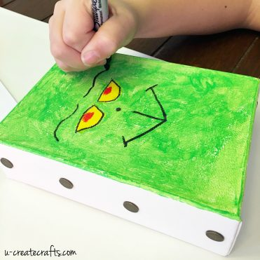 DIY Grinch Canvas