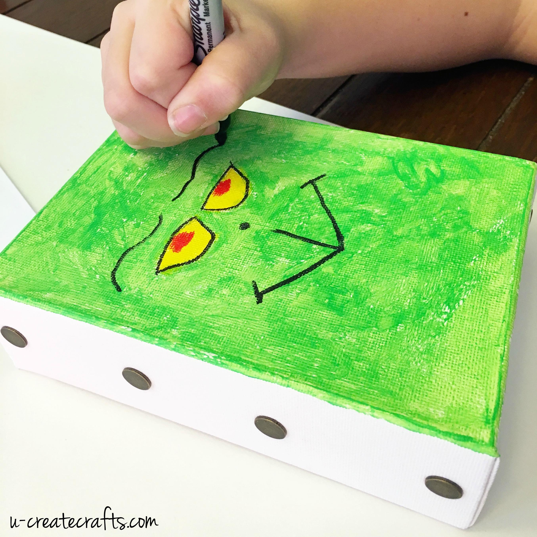 DIY Grinch Canvas