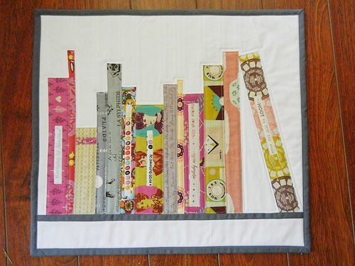 Mini Bookshelf Quilt Tutorial